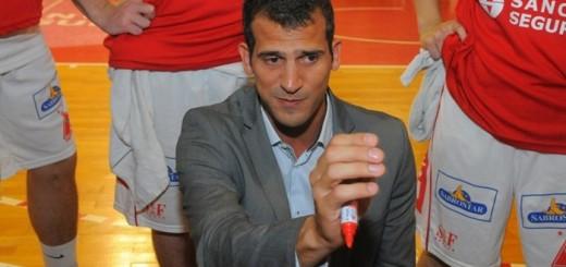 Baloncesto en Uruguay. Mateo Rubio, entrenador en Trouville.