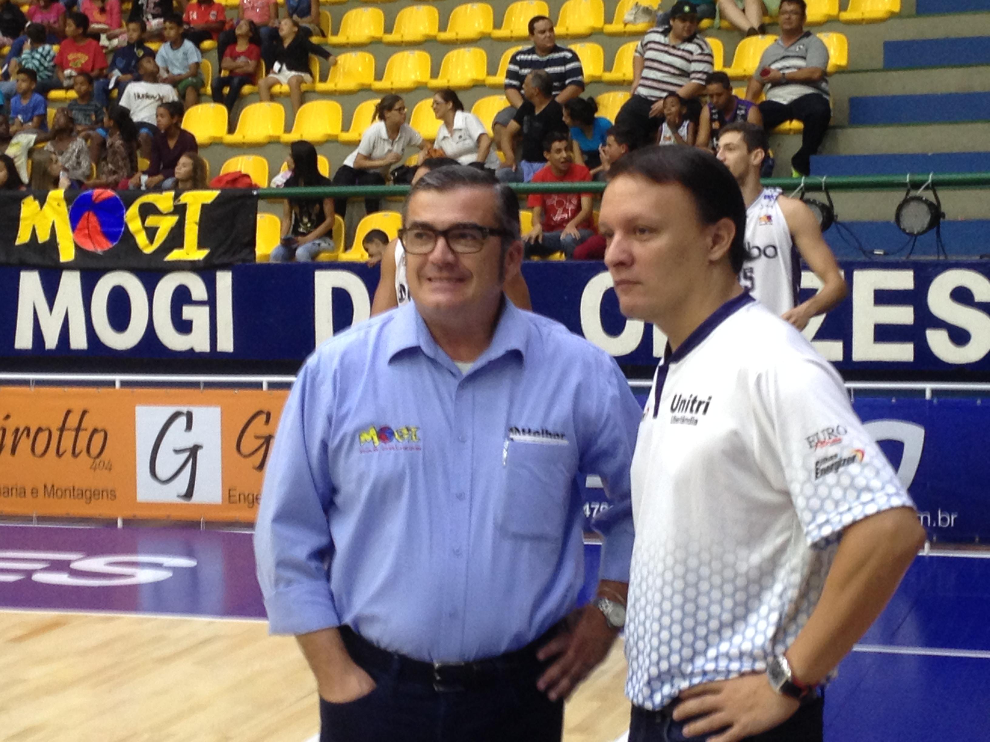 Paco García y Arturo Álvarez antes del encuentro (Foto: Basket World Tour)